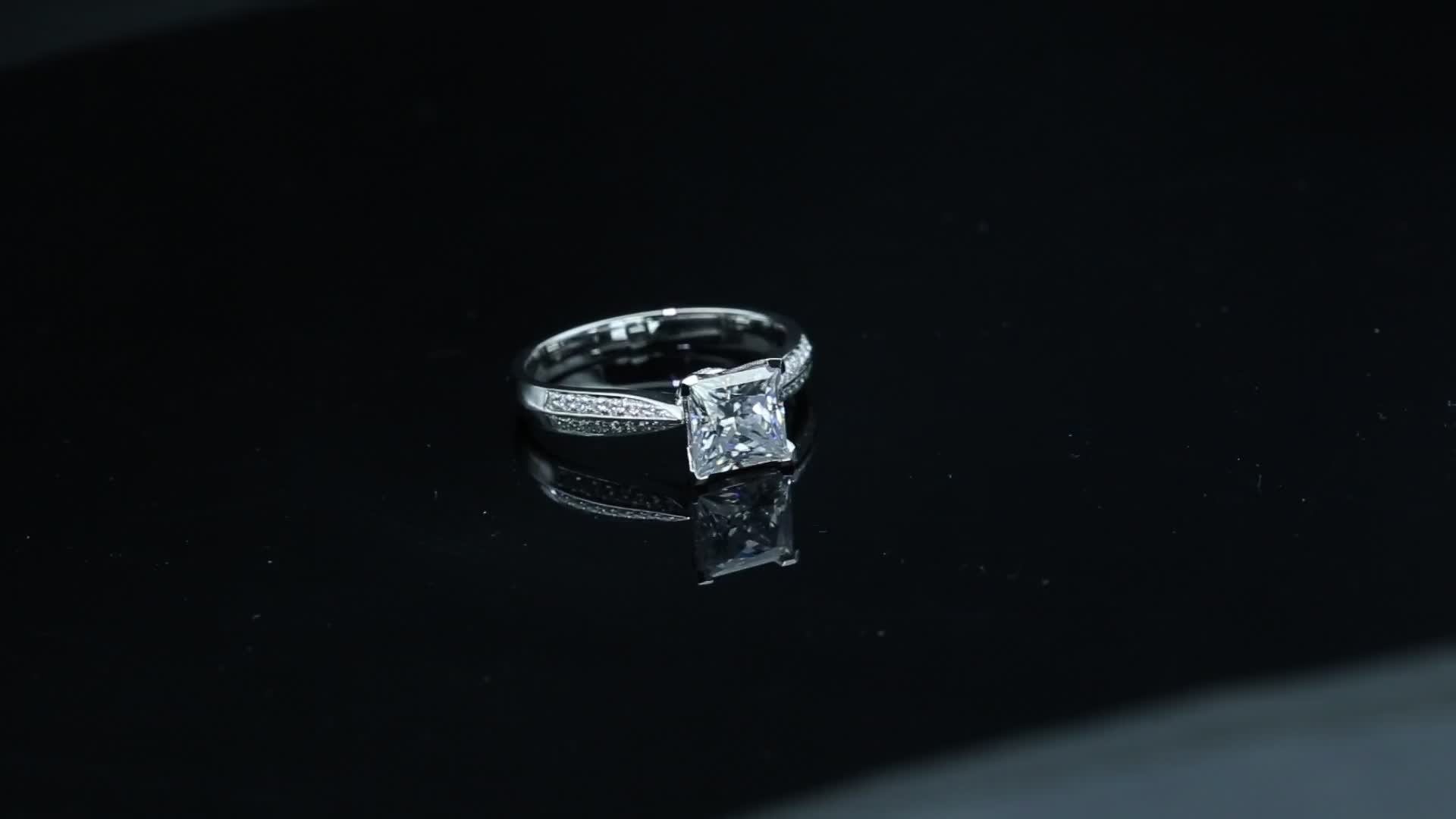 925 Sterling Silver 1CT Princess Cut Moissanite Sliver Ring