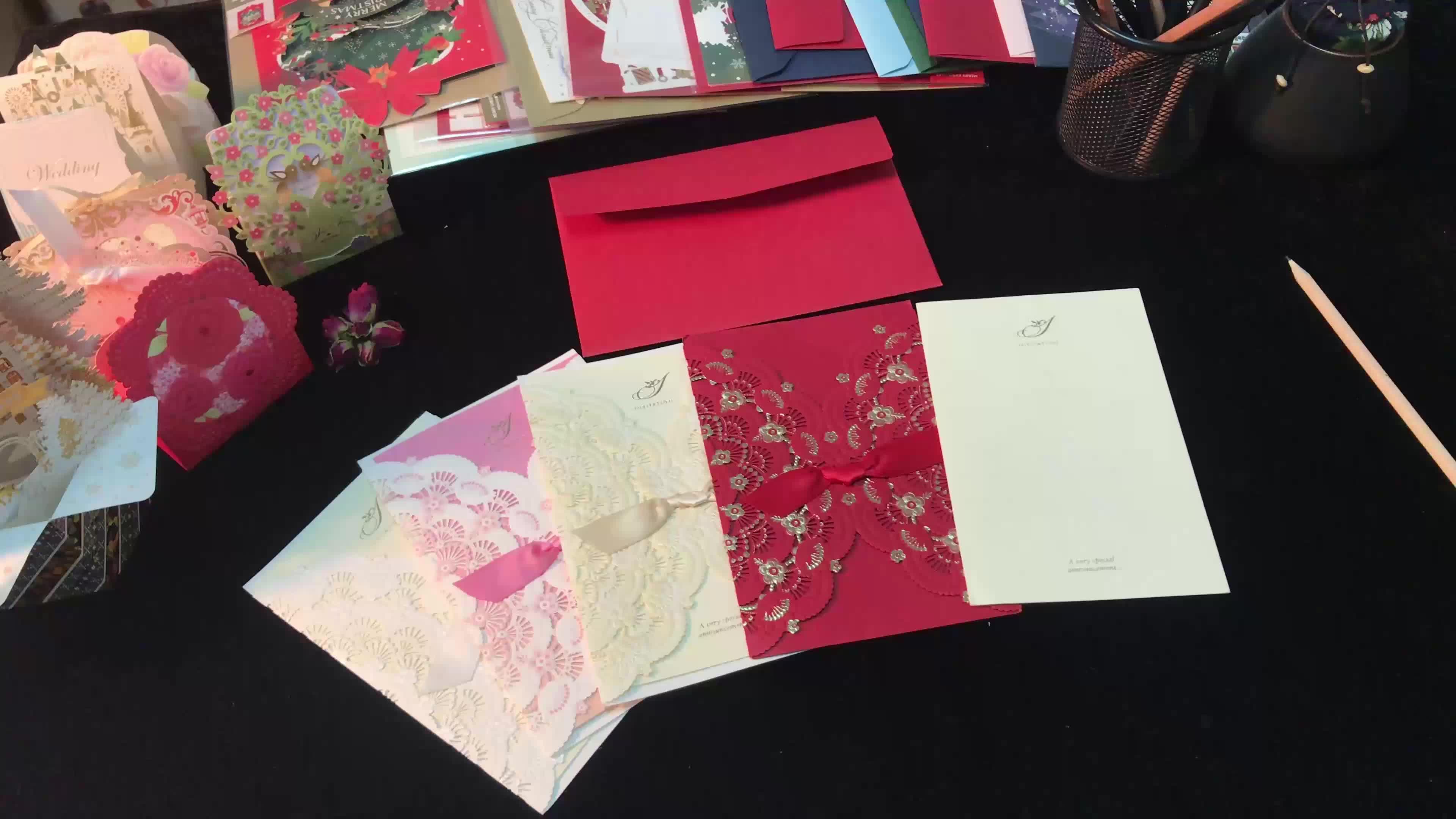 Corte A Laser Convites WISHMADE Vermelho Cartões com Envelope para o Aniversário de Casamento Nupcial Favor da Festa de Aniversário Do Chuveiro Luxuoso