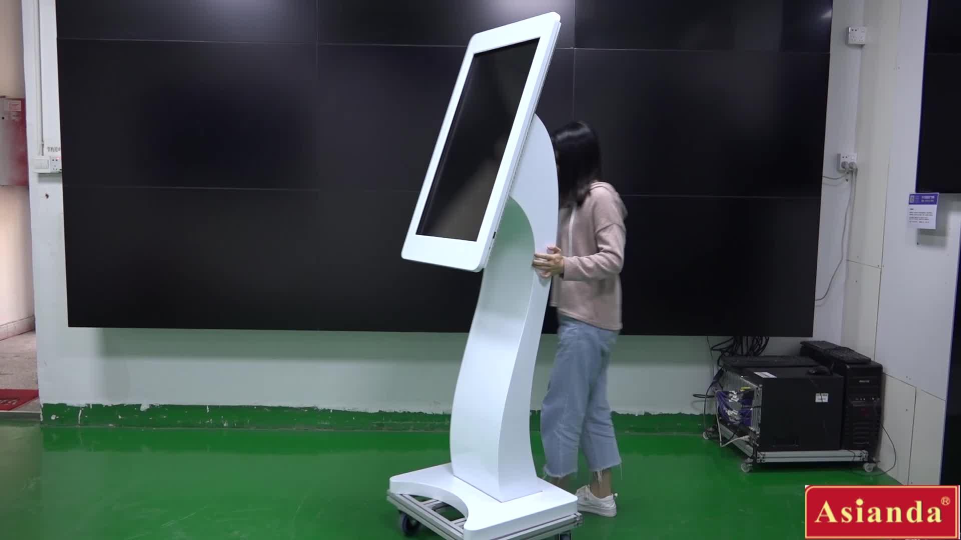 Aangepaste Full HD lcd 55 inch interactieve touch screen digital signage/digitale kiosk reclame display met gezichtsherkenning