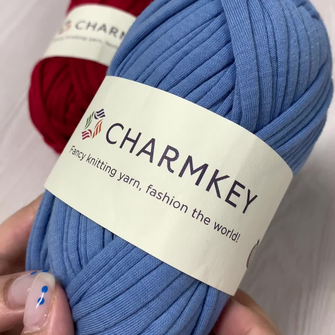 Wholesale fancy Crochet Yarn 100% polyester tshirt yarn for handbag knitting