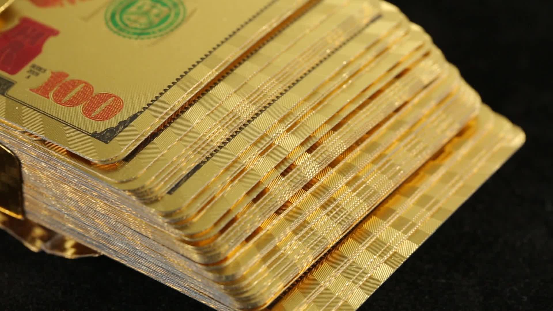China Fabrik Billig Individuell Spiel Karte PVC Poker Wasserdicht Goldfolie Spielkarten