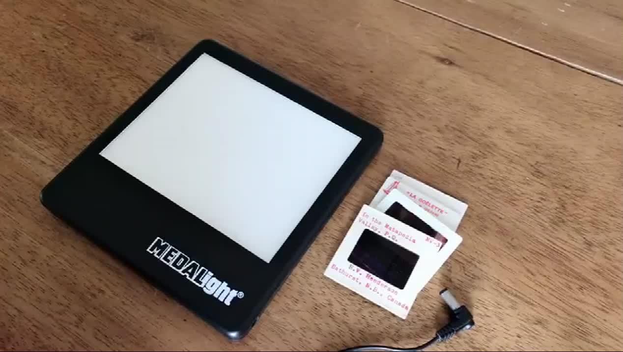 Medalight Plastic Portable 35mm Negative Film Scanner Photo Digital Image Viewer Film Converter Led Panel Light