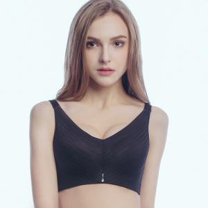 无痕无钢圈抹胸文胸背心款透气镂空性感调整聚拢收副乳内衣