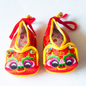 Baby Tang suit shoes baby tiger head shoes full moon 100 days old soft sole cotton lining shoes baby single shoes