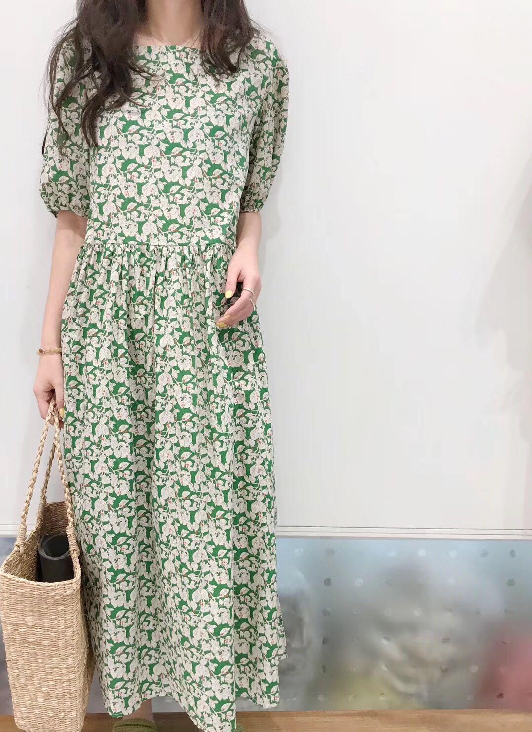 【飞鸟集】韩国代购夏季ins法式复古绿色碎花泡袖长款宽松连衣裙