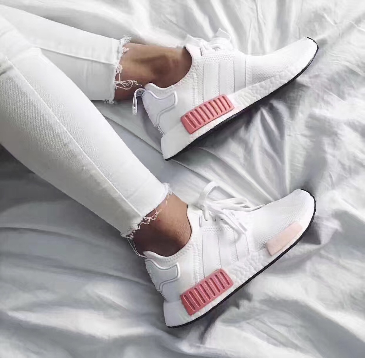 68c2147f1 ... Broken code clearance Adidas clover NMD Boost black and white powder  men and women running shoes ...