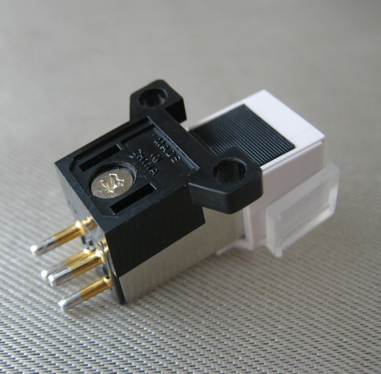 New LP vinyl triangle AT95E MM moving magnetic cartridge stylus with mounting screws AT3600L
