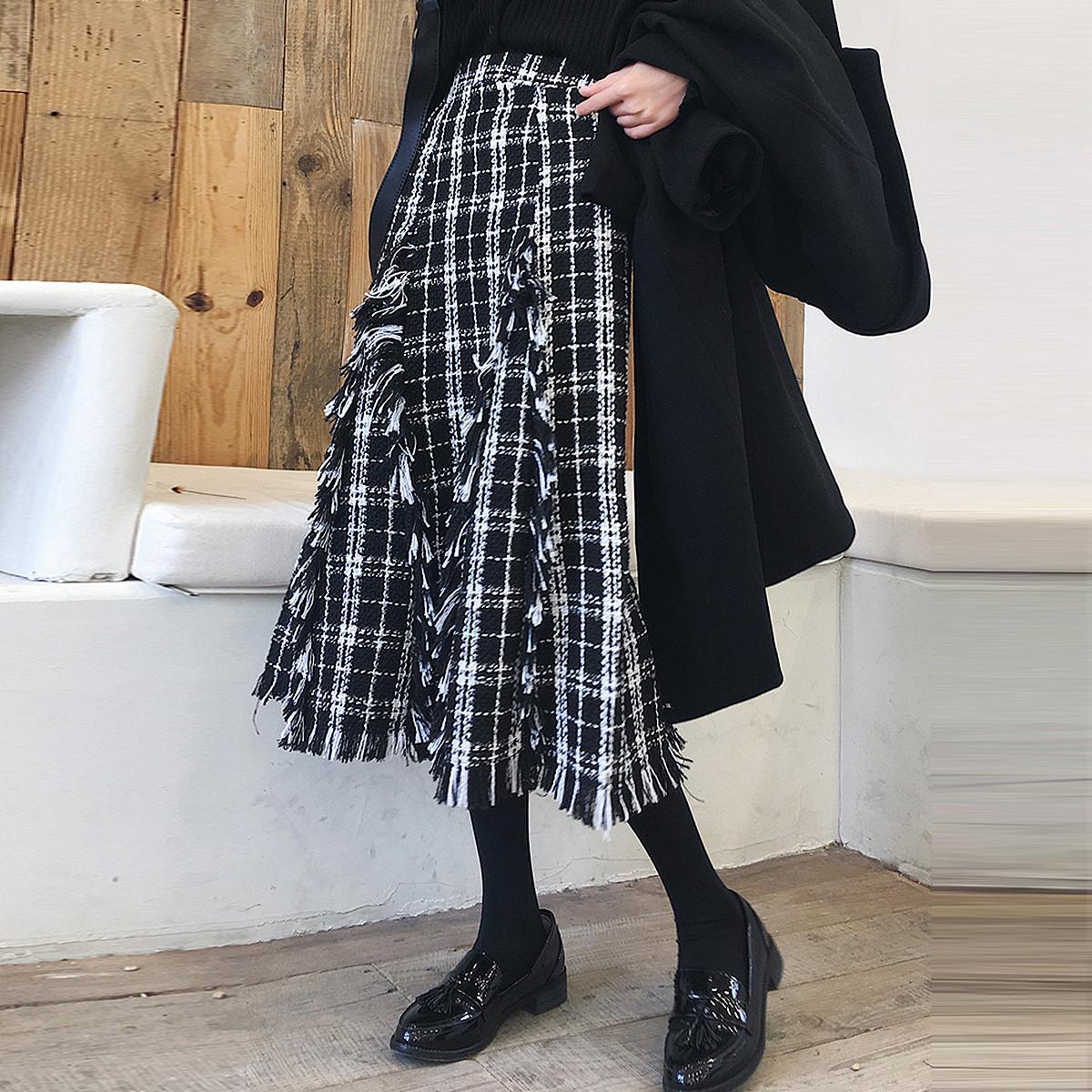秋冬新款复古优雅流苏边撞色格子裙修身不规则拼接粗花呢半身裙女