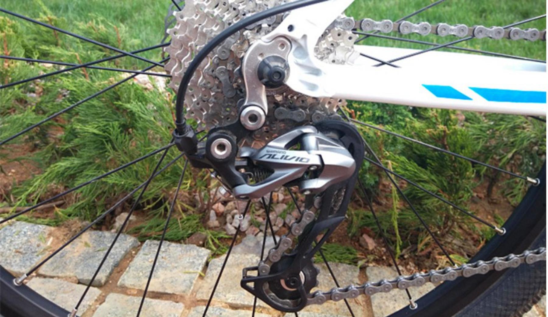 NEW Shimano Alivio RD-M4000 9 Speed Mountain Bike Rear Derailleur