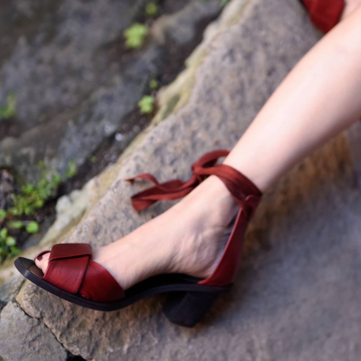 Artmu阿木原创欧美复古头层牛皮粗跟一字凉鞋女绑带高跟鞋新款