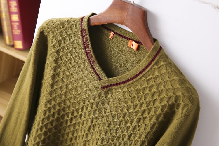 Thin sweater autumn chicken heart collar sweater new 2020 burst men's cut inside the men's bottom shirt V-neck top 44 Online shopping Bangladesh