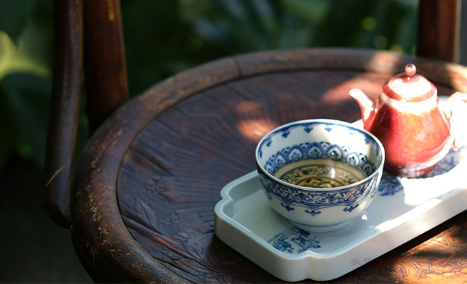 Offered home - cooked blue and white flowers outside the line of the wheel pattern within the masters cup sample tea cup of jingdezhen ceramics