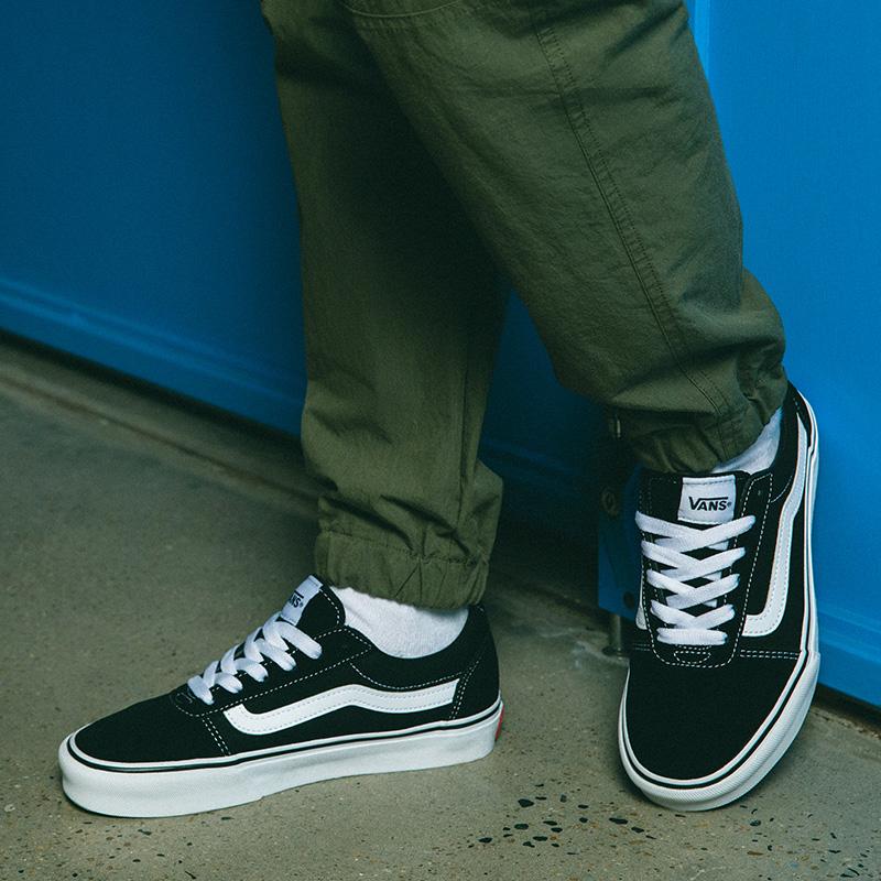 【提前加购】Vans范斯黑白潮流侧边条纹板鞋