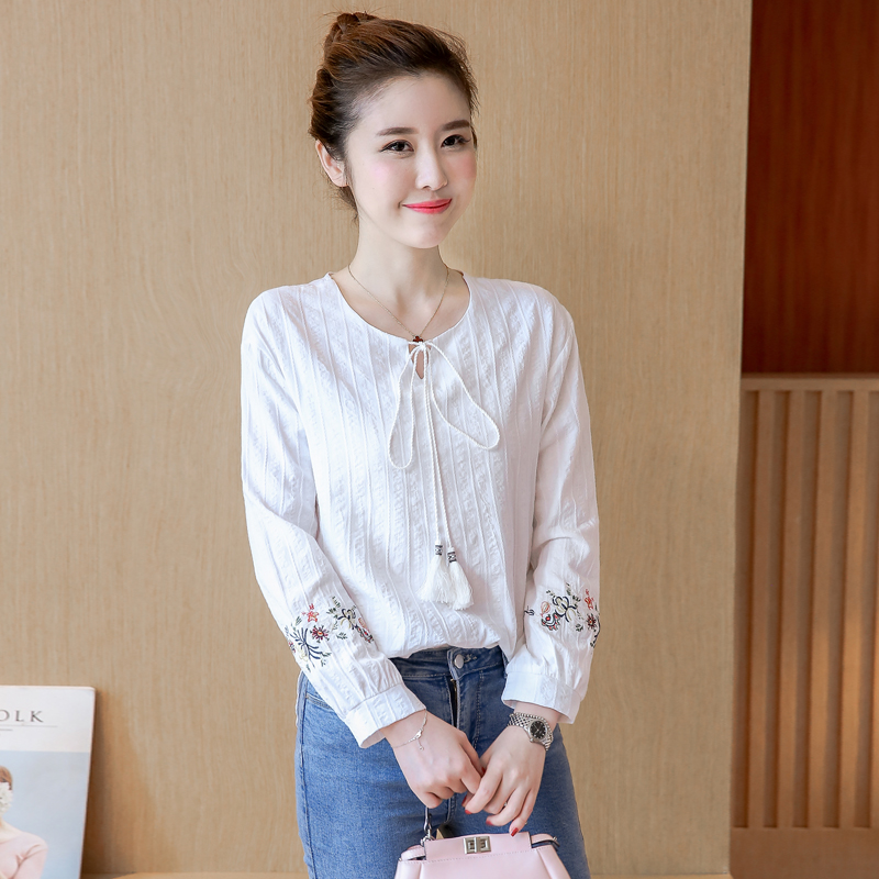 3b0f3d127e4 2018 spring and summer new women s lace white T-shirt female long-sleeved  embroidery V-neck cotton and linen literary shirt linen shirt