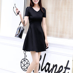 Dress female summer 2020 new skirt is thin and temperament small v-neck retro short-sleeved little black dress Korean version a-line black