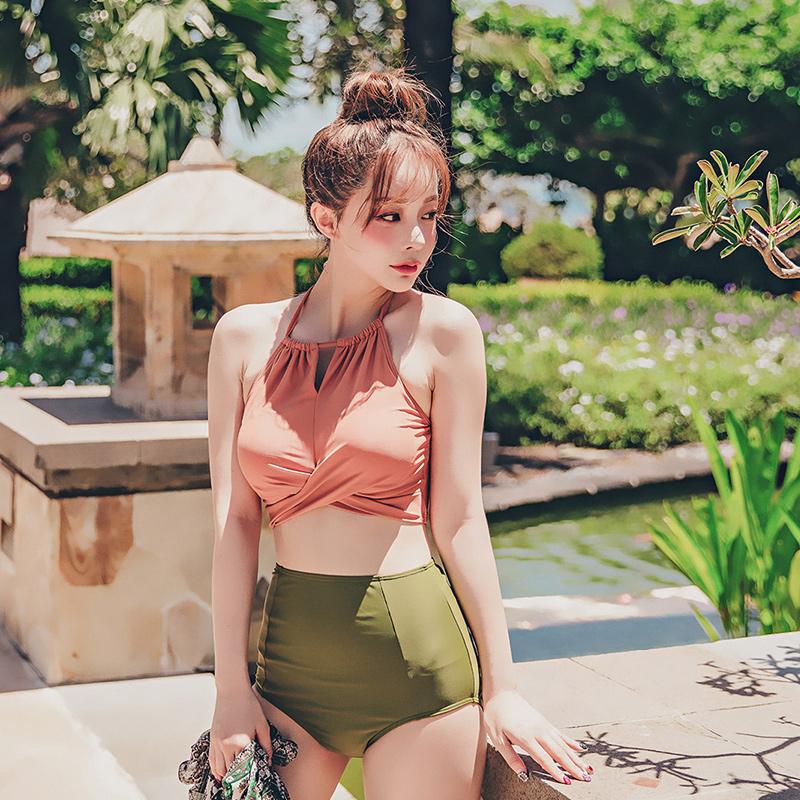 Áo tắm nữ bảo thủ chia eo cao che bụng thon gọn bikini lưới màu đỏ ngực nhỏ thu thập màu tương phản áo tắm mùa xuân nóng - Bộ đồ bơi hai mảnh