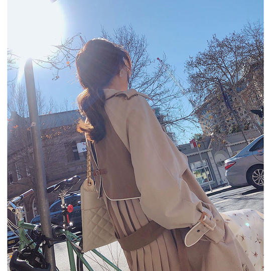 Mystery show windbreaker women in the long 2019 autumn dress new Korean version of the net red small early autumn ins coat female spring and autumn