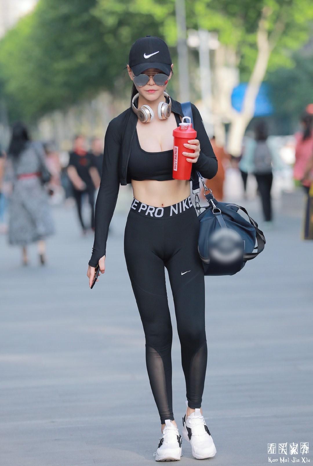 [街拍美女]满分身材,街拍高挑气质运动型美女7