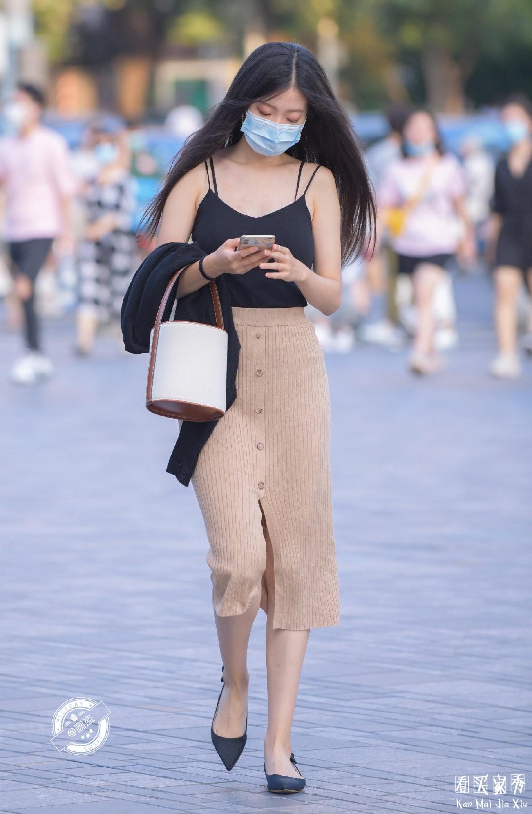 [街拍美女]透视装美女,美女自己可能也不知道这裙子能这么透视6