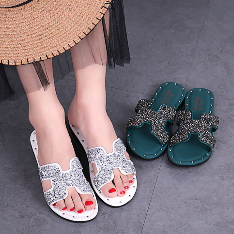 With drill h slippers women summer wearin tide net red cute shake sound hundred hit han version of the new anti-slip home cool drag