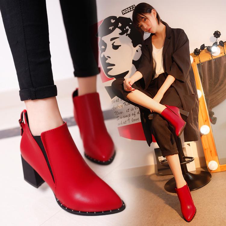 冬季粗跟高跟短靴女靴子系带尖头加绒马丁靴裸靴中跟红色婚鞋棉鞋