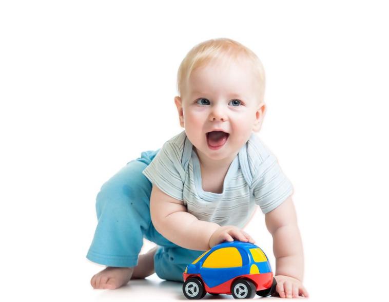对新生儿进行启蒙教育,选对玩具事半功倍