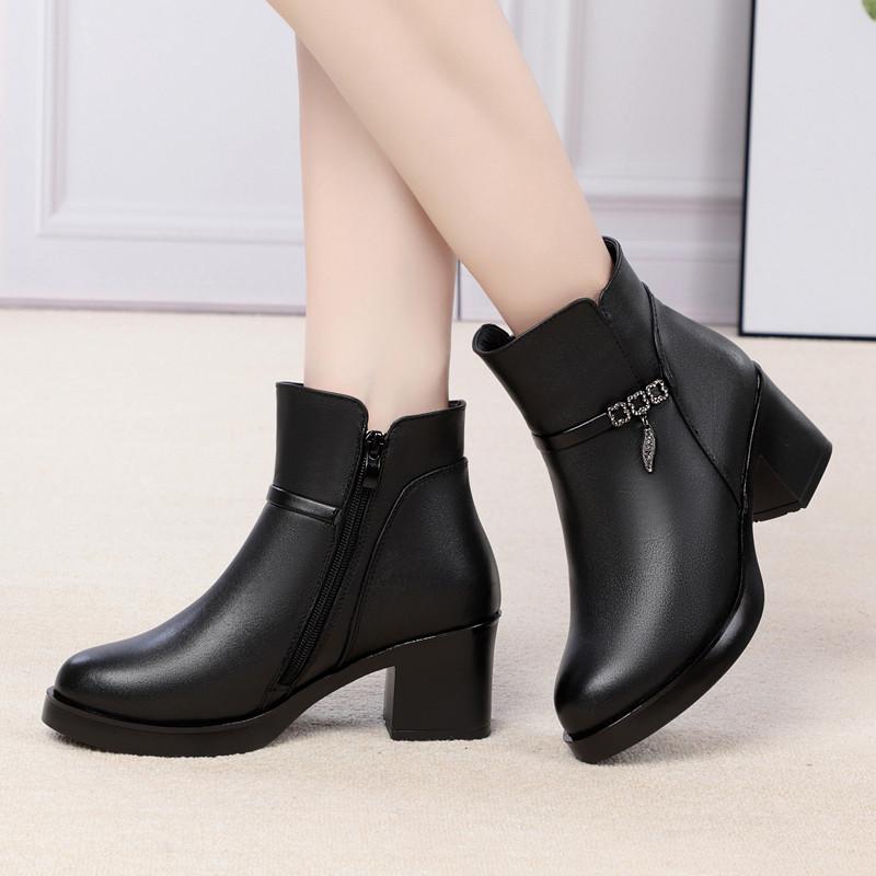 秋冬单靴子真皮加绒短靴女皮鞋中跟粗跟高跟短筒中年妈妈羊毛棉鞋