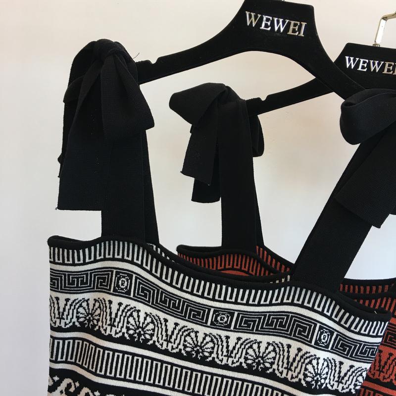 2018 sản phẩm mới vào mùa xuân và mùa hè Châu Âu và Hoa Kỳ retro pop stripes hit màu vai bow knit dài ăn mặc