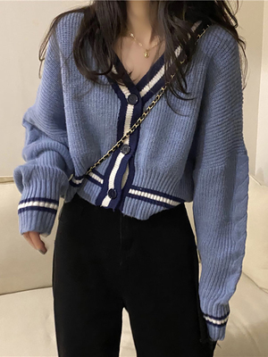 taobao agent Sweater women's fall/winter retro Japanese lazy style loose outer wear v-neck long-sleeved knitted cardigan jacket short top