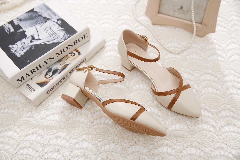 包头凉鞋女鞋新款夏季款一字扣粗跟中跟百搭搭配裙子单鞋详细照片