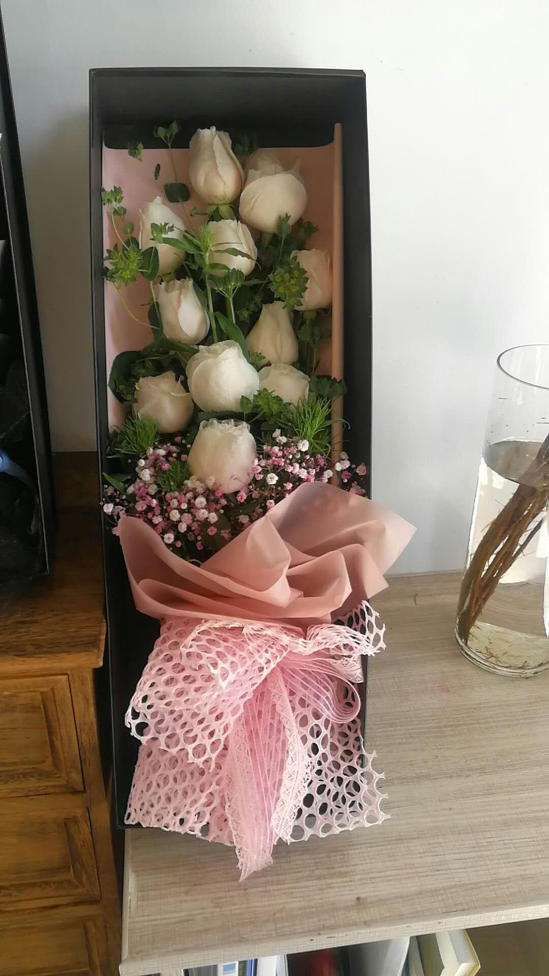 全国鲜花11朵同城速递红玫瑰礼盒花束康乃馨上门送女朋友生日
