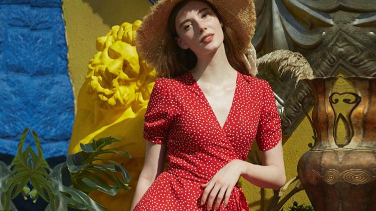 这样一条谁穿谁瘦的夏季连衣裙,你不爱吗