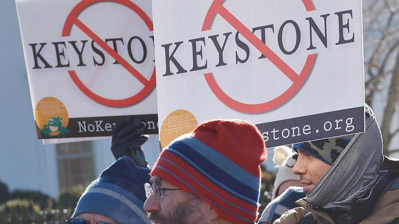 拜登当总统第一天就撤销了Keystone XL管道的许可,他的政策议程是否完全将油价指向北方?