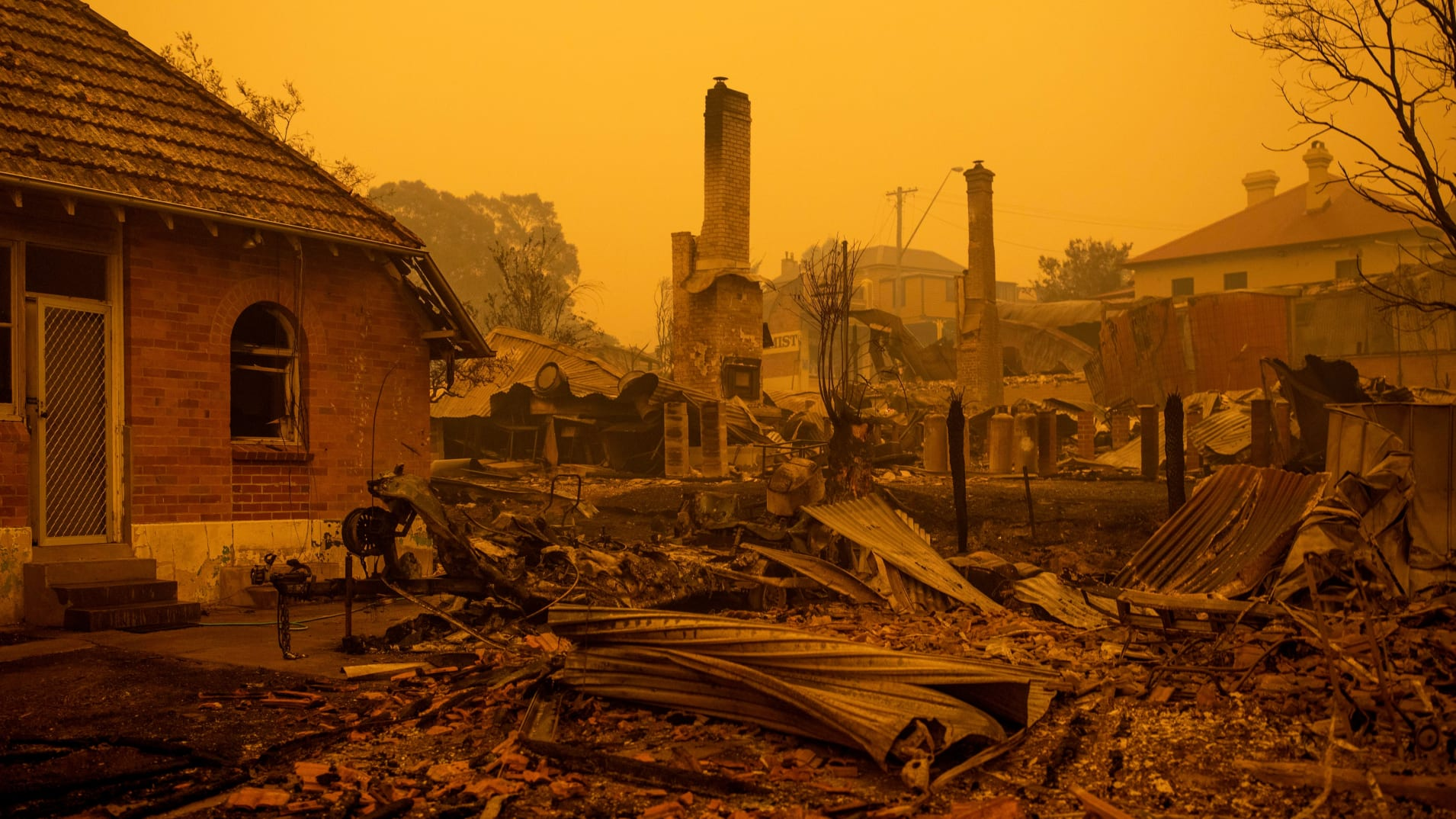 森林大火导致澳大利亚消费者信心连续2个月下滑,澳联储可能会被迫降息