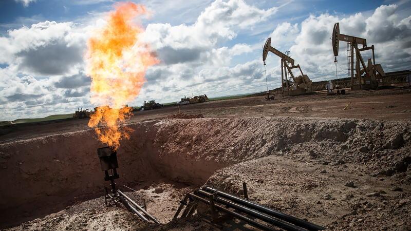 随着油价崩溃,被迫减产与破产浪潮即将到来