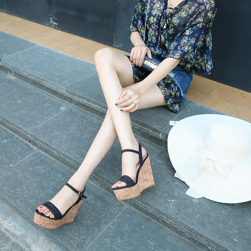 2019夏季新款性感女鞋跟坡跟女超高凉鞋一字带防水台厚底露趾真皮