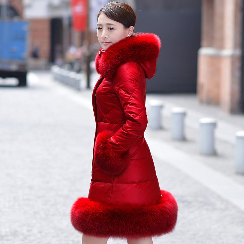 2015冬季新款新娘红色羽绒服女中长款修身显瘦连帽大毛领婚礼外套