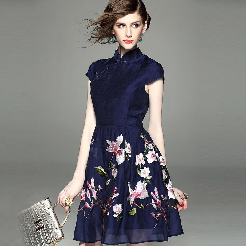 Trung quốc phong cách cổ áo cổ áo khóa khóa cải tiến hàng ngày thêu sườn xám gió quốc gia eo một từ thêu váy mùa hè