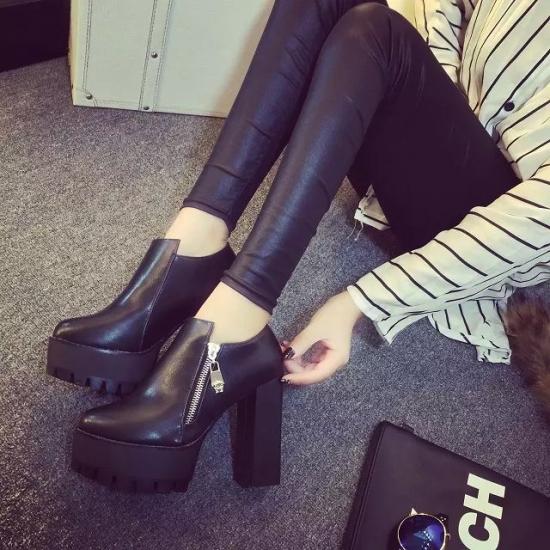 真皮女士皮鞋浅口单鞋春秋中跟工作鞋低跟粗跟中年妈妈鞋子黑白色