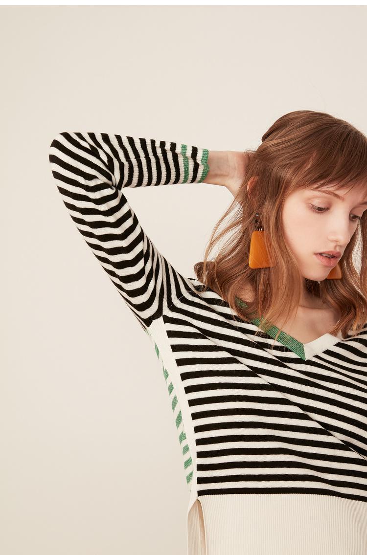 Lily2019春新款女装商务收腰版条纹毛针织衫