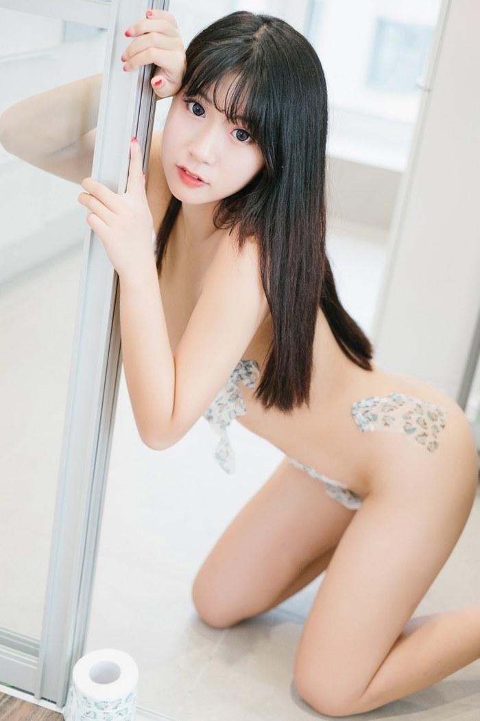 福利美图_菠萝少女猫九酱真空上阵演情趣诱惑