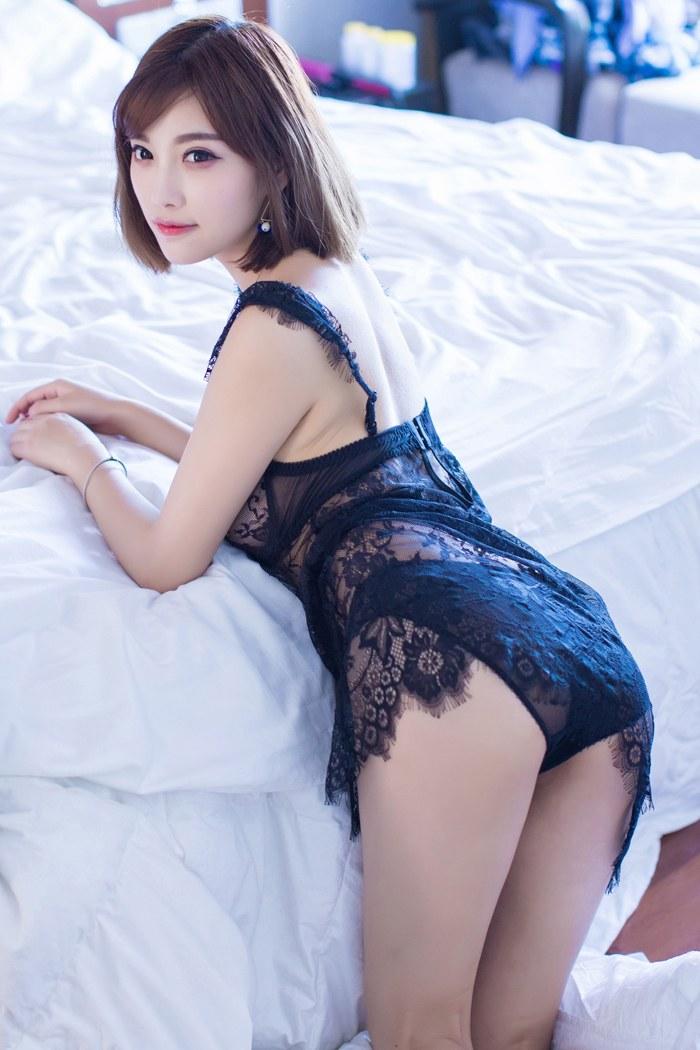 福利美图_甜美女神杨晨晨开背毛衣性感动人