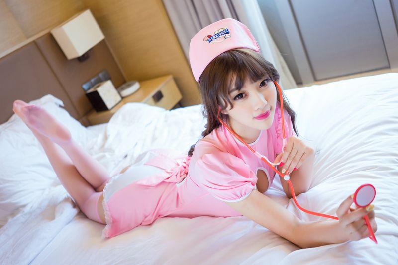 福利美图 长腿美女suga粉色护士制服魅惑宅男芳心_From:冷类技术网-qq7138463