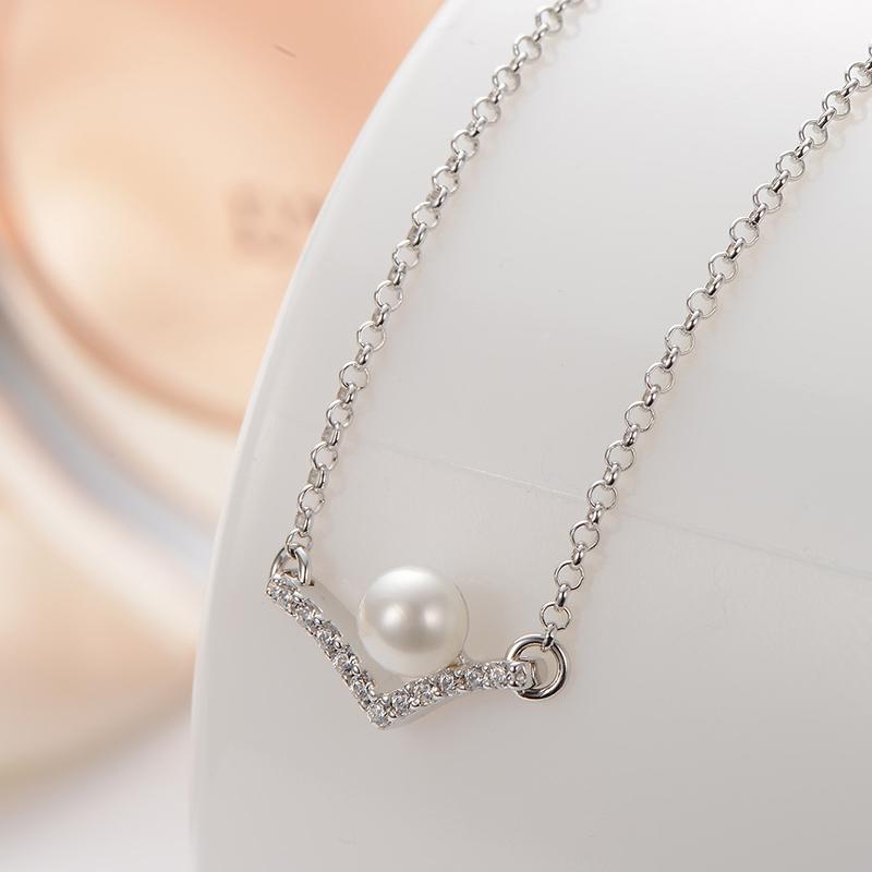 京润项链唯诺925银镶淡水珍珠链牌 4-5mm 白色 馒头形V珠宝送女友