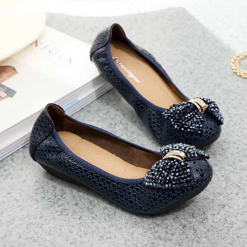韩版瓢鞋软底单鞋圆头平底平跟女鞋水钻亮片妈妈鞋浅口时尚潮新款