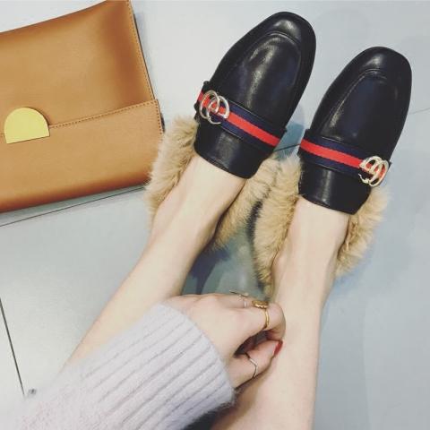 搭扣装饰兔毛豆豆鞋