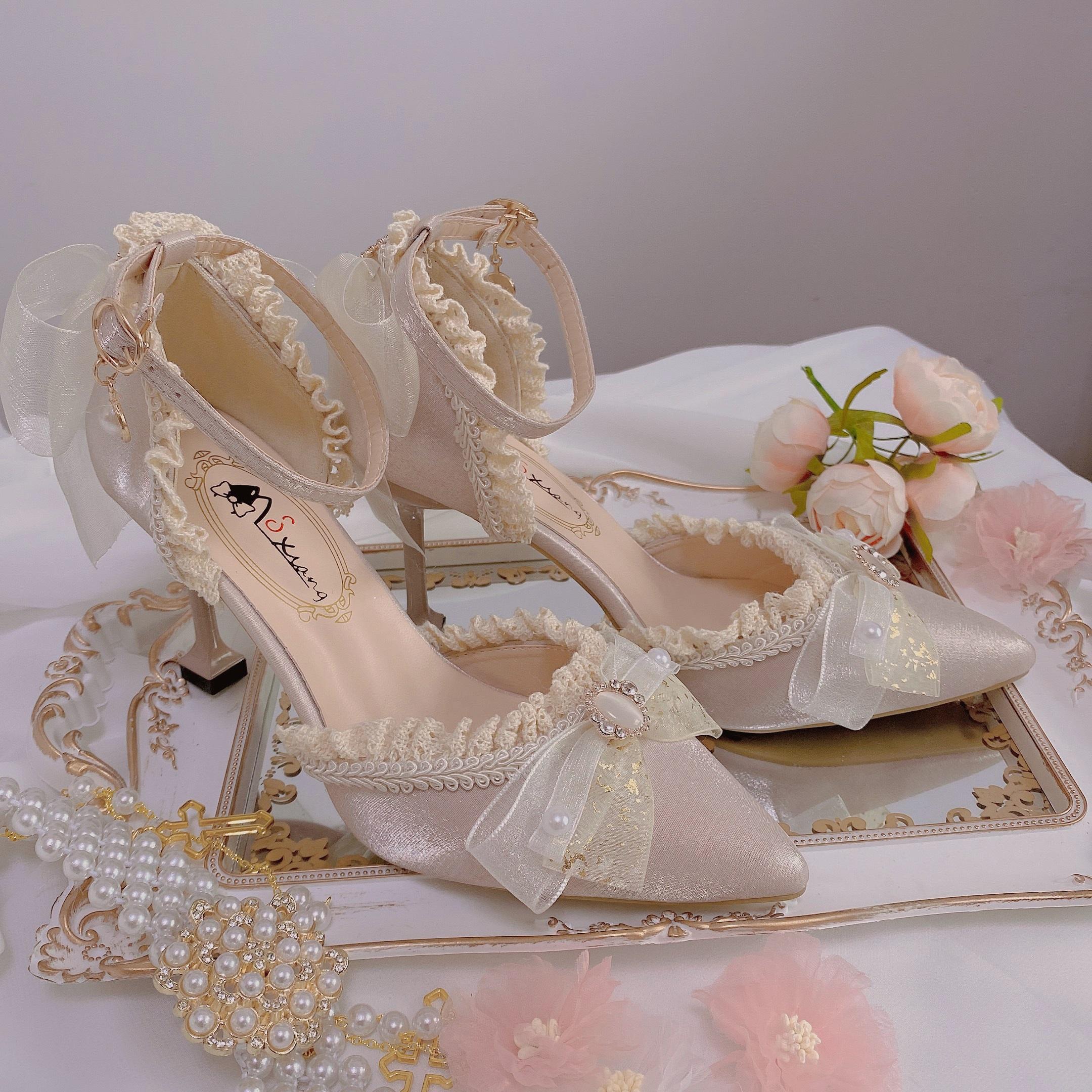 少女心手作香槟色米色高跟鞋摘星魔法野天鹅油画柄尖头鞋详细照片