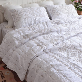 Embroidery solid color foreign trade original order export American style bed cover quilted quilt three-piece suit European-style cotton bedspread sheet white