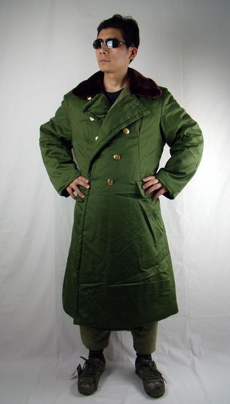 Quân đội cổ điển màu xanh lá cây dài áo bông sản phẩm áo bông áo khoác mùa đông ấm áp áo khoác nam giới và phụ nữ