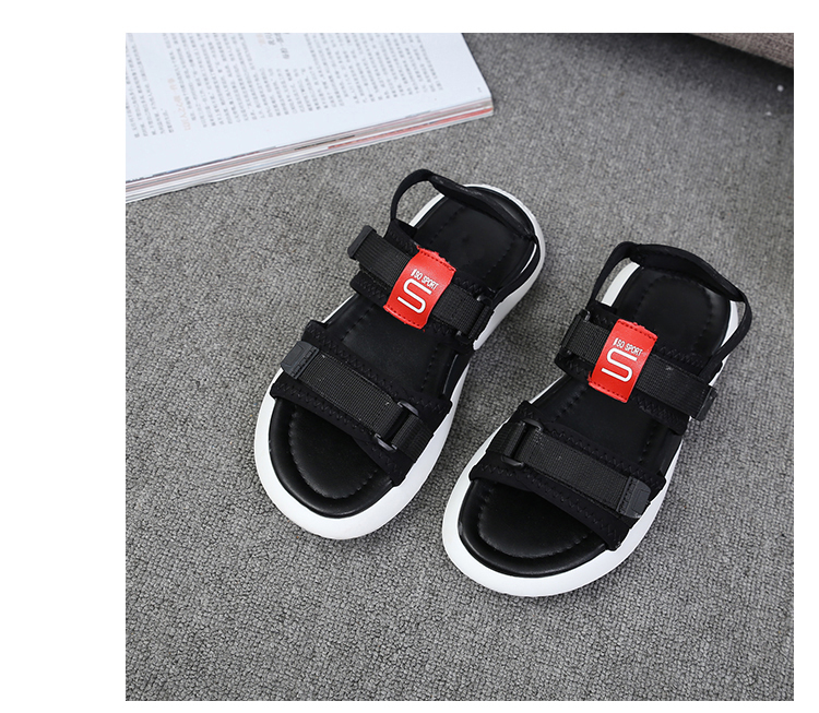 Summer 2018 new flat sandals female students wild magic stickers casual shoes. 80